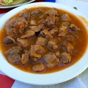 Moelos: stewed chicken insides.